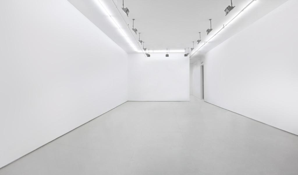 empty art gallery